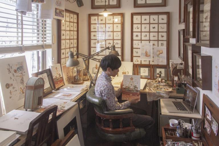 鹿島孝一郎のアトリエ「手が届くところに何でもある最高の仕事部屋」-アーティストインタビュー-